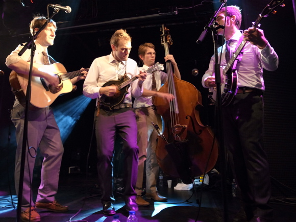 JYAMG-punch-brothers-07